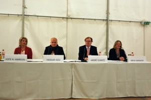 Durante la conferenza stampa - Foto: Emilio Esbardo